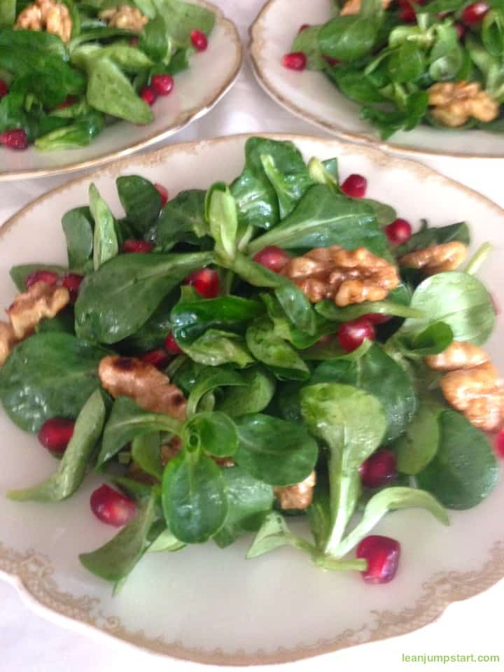 lambs lettuce with walnuts