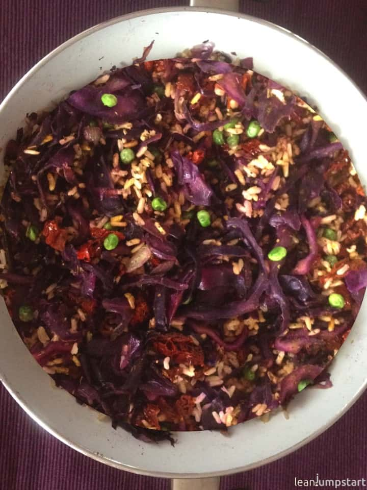 red cabbage stir fry with dried tomatoes