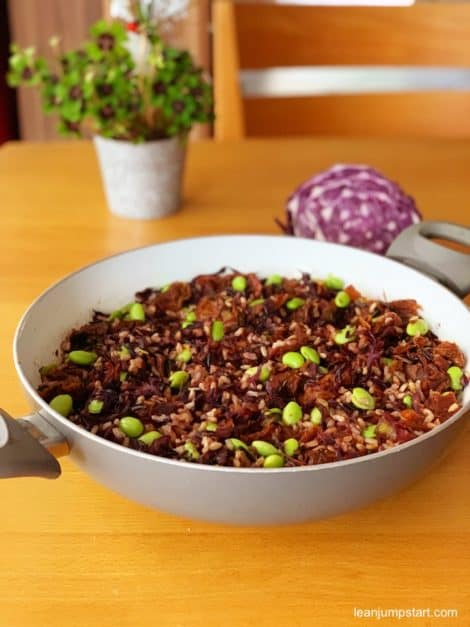 red cabbage with edamame