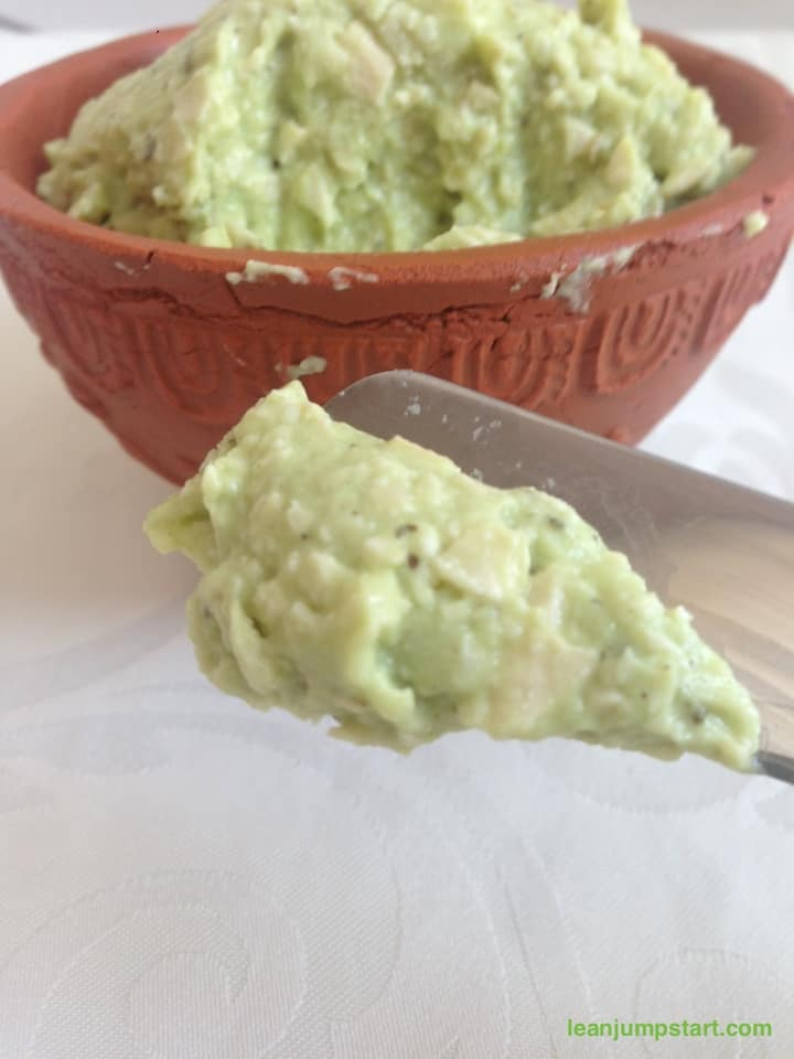 avocado cashew cream with garlic