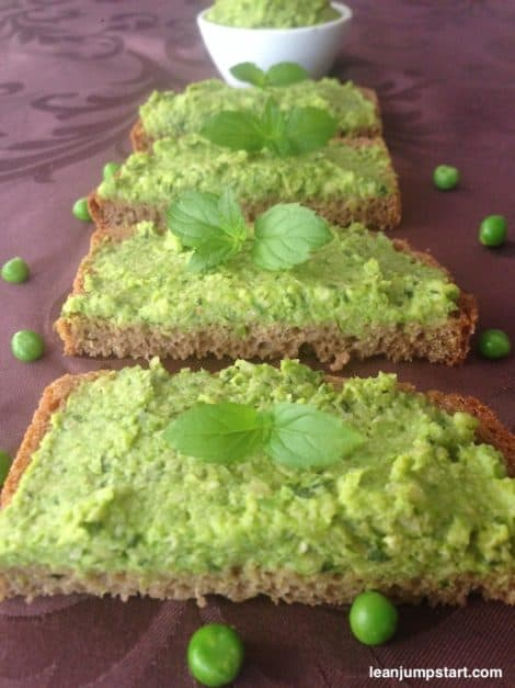 Mint pea dip – quick & easy: This eye-catching green peas recipe is a keeper