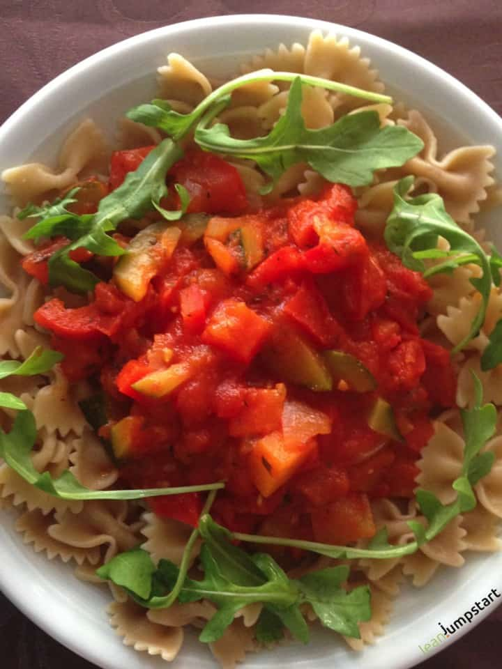 vegan whole grain pasta with red pepper ragout