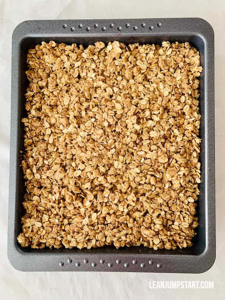 baked white currant crumble in baking pan