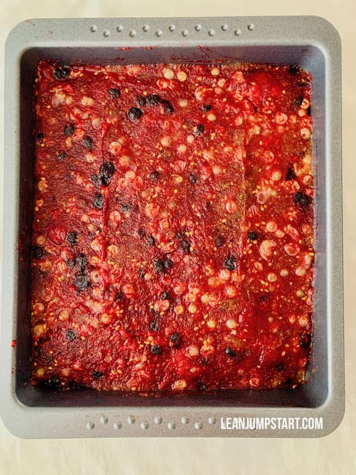 white currant and berry layer in baking pan