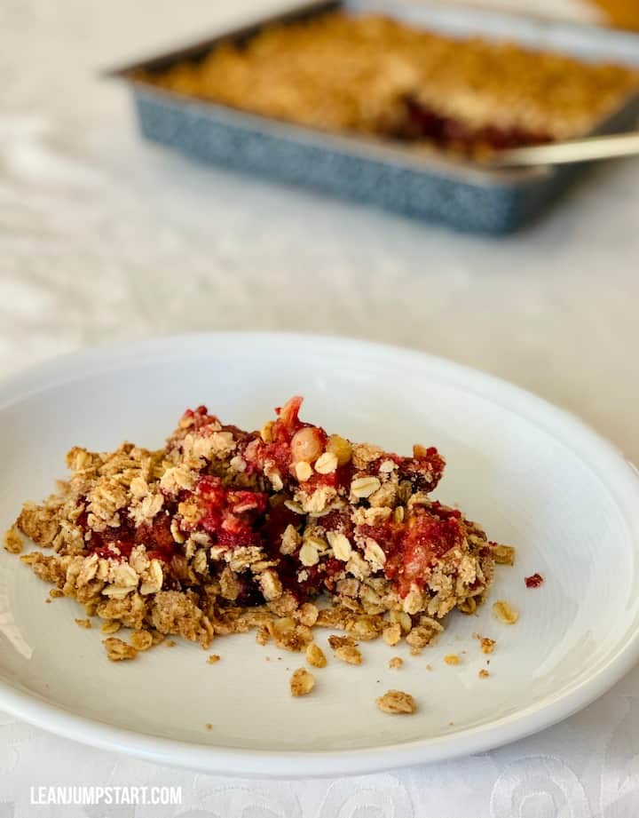 currant crumble served on a plate
